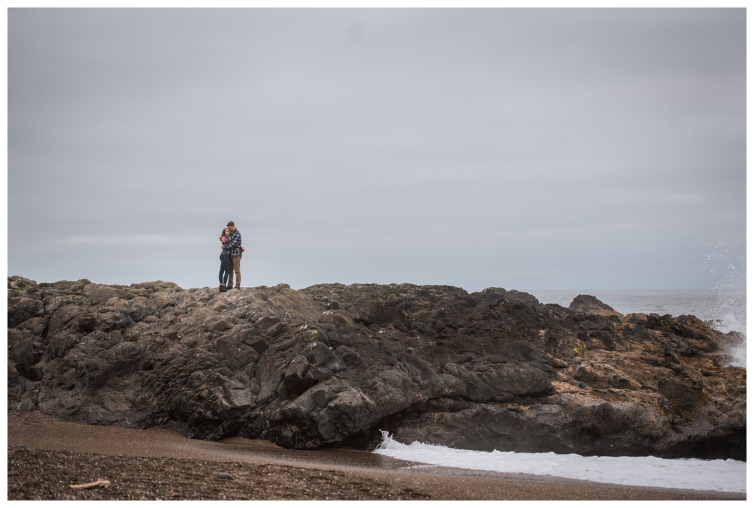 Oregon coast engagement session in Yachats